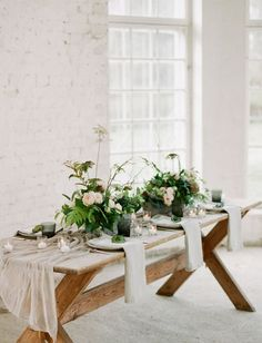 a natural and organic table setting for a laid-back wedding in Finland // Planning, design & florals: Nord & Mae / Photography: Petra Veikkola Sage Wedding, Chic Wedding, Rustic Wedding, Green Wedding, Wedding Shoes, Wedding Trends, Wedding Blog, Industrial Wedding, Modern Industrial