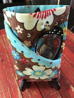Eye Glass case for 2 pair Clothespin Bag, Star Clothing, Key Fobs, Crochet Hooks, Finding Yourself, Cotton Fabric, Best Gifts, Cottage, Pairs