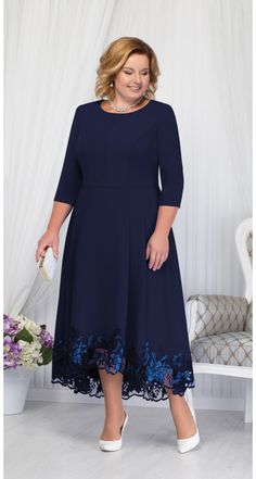 Elegant dresses and suits for obese women of the Belarusian brand Ninele fall 2018 Mother Of Bride Outfits, Mother Of Groom Dresses, Mothers Dresses, Plus Size Dressing Gowns, Plus Size Dresses, Plus Size Outfits, Elegant Dresses, Beautiful Dresses, Formal Dresses