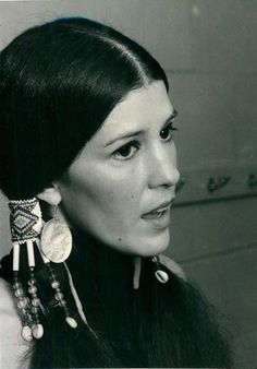 Singer Rita Coolidge. Currently in family band, Walela [Cherokee for Hummingbird]. Once w/Kris Kristofferson, romantically & musically.