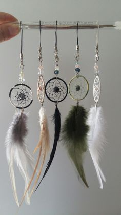 More cute Dream catchers are waiting for you - Salvabrani Dream Catcher For Car, Making Dream Catchers, Dream Catcher Jewelry, Dream Catcher Patterns, Native American Crafts, Boho Accessories, Diy Crafts To Sell, Wind Chimes, Macrame