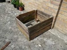 DIY Step by step: Single Pallet Garden Planter #recycle #video #howto