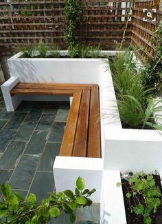 Most up-to-date Pics Raised Garden Beds white Suggestions Convinced, which is a strange headline. Although indeed, any time When i first built my own raised garden beds. Small Courtyard Gardens, Small Courtyards, Back Gardens, Small Gardens, Outdoor Gardens, Atrium Garden, Contemporary Garden Design, Small Garden Design, Patio Design