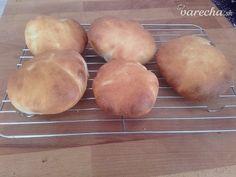 Pita chlieb (fotorecept) - recept | Varecha.sk Pizza, Bread, Food, Basket, Brot, Essen, Baking, Meals, Breads
