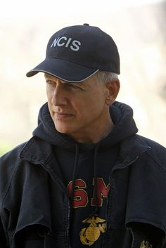 Mark Harmon, Sean Murray, Michael Weatherly, and Cote de Pablo in NCIS: Naval Criminal Investigative Service Gibbs Ncis, Ncis Gibbs Rules, Leroy Jethro Gibbs, Serie Ncis, Ncis Tv Series, Mark Harmon, Ncis Bishop, Ncis Characters, Fictional Characters