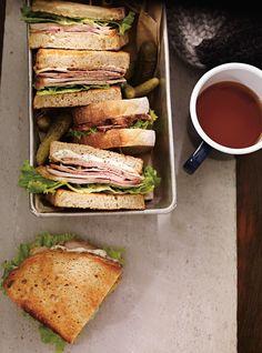 Ricardo recipe of cold pork roast sandwiches Roast Pork Sandwich, Pork Roast, Cold Lunches, Cold Meals, Sandwich Recipes, Pork Recipes, Chicken Recipes, Ricardo Recipe, Cold Sandwiches