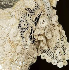 Trained Irish Crochet Gown - detail - Augusta Auctions - c. 1908 - @~ Mlle