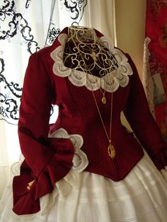 Modelos exclusivos Couture Dresses, Victorian Fashion, Traditional Dresses, Beautiful Dolls, Character Inspiration, Doll Clothes, Gowns, Blazer, Costumes