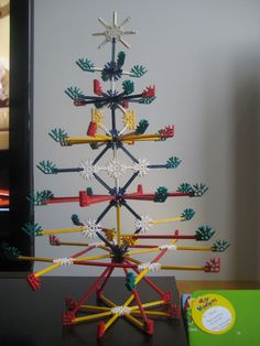 Life is a Hotpot: K'nex Christmas Tree Christmas Math, Christmas Activities, Christmas Traditions, Christmas Time, Unique Christmas Trees, Alternative Christmas Tree, Xmas Crafts, Diy And Crafts, Arts And Crafts