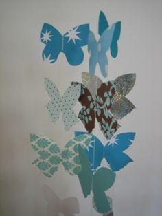 Sommerfugle uro på printet pap