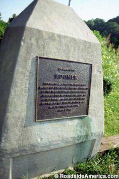 Monument to Boomer, 3-Legged Hero Dog in Makanda, Illinois    Died 1859