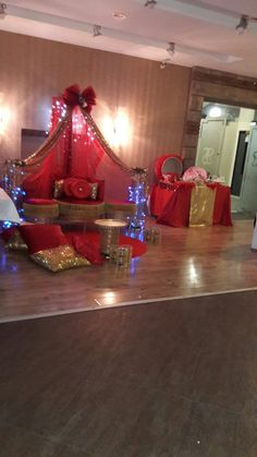 Night of henna Desi Wedding, Wedding Car, Wedding Shoot, Mehndi Stage, Turkish Wedding, Paris Painting, Henna Night, Mehndi Decor, Henna Party
