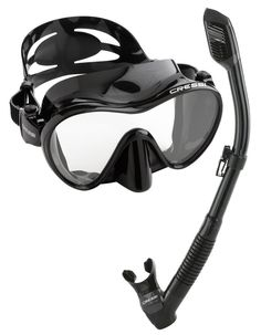 If you're going on a snorkel trip! Don't bother packing fins but make sure you get a good quality mask and snorkel! It will make a huge difference! Find out how to choose the best snorkel gear for beginners by clicking through!