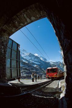 Jungfraubahn: Kletterfahrt in die Eiswelt - SPIEGEL ONLINE