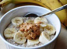 Jenny RD's Kitchen: Peanut Butter Banana Oatmeal The Oatmeal, Maple Syrup Recipes, Oatmeal Recipes, Banana Sandwich, Peanut Butter Oatmeal, Almond Butter, What To Cook, Whole Food Recipes, Healthy Recipes