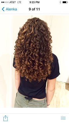 After haircut from LENKS by Alenka 310 740 0547 SANTA MONICA CA ,SCOTTSDALE AZ Curly Hair Types, Short Curly Hair, Short Curls, Wavy Hair, Dyed Hair, Permed Hairstyles, Hair Inspiration, Hair Inspo, Natural Hair Styles