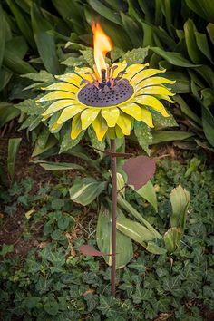 Stunning 29 Stunning Sunflower Garden Ideas https://gardenmagz.com/29-stunning-sunflower-garden-ideas/