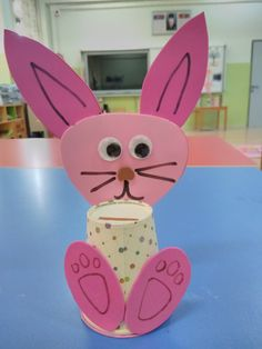 Tavşan kumbara.. Kids Crafts, Projects For Kids, Diy And Crafts, Diy Projects, Cup Art, Preschool Education, Spring Crafts, Pre School, Classroom