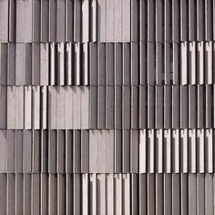 #Archilovers_screens Wooden Facade, Metal Facade, Concrete Facade, Brick Facade, Facade House, Cladding Design, Timber Cladding, Wall Cladding, Facade Design