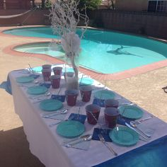 Frozen birthday party-table setting idea...perfect when you canu0027t find Frozen merchandise!! | Frozen | Pinterest | Birthday party tables Frozen birthday ... & Frozen birthday party-table setting idea...perfect when you canu0027t ...