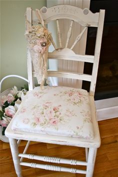 The Polka Dot chair: white and tan
