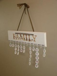 What a great idea to teach AND remember when the family birthdays are! I can't remember any birthdays. Birthday Calendar, Birthday Board, 90th Birthday, Cute Crafts, Crafts To Make, Diy Projects To Try, Craft Projects, Craft Ideas, Birthday Reminder