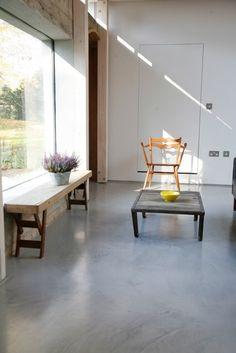 Floor BY COLOTA .... #floor #resinfloor #pouredfloor #castfloor #screed #interior #interiordesign #homedecor #homedesign #housedecor #housedesign #architecture #architect #interieur #interieurdesign #vloer #gietvloer #gietvloeren #living #livingroom #colota #colotagietvloeren #mataj #matajvloeren #madeinbelgium www.colota.be