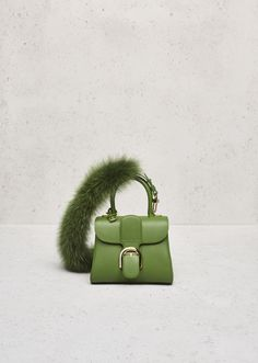 See the Autumn-Winter Collection from la Maison Delvaux, the oldest fine leather goods house in the world. Luxury Bags, Luxury Handbags, Fashion Handbags, Big Bags, Small Bags, Tod Bag, Bags 2017, Green Bag, Beautiful Bags