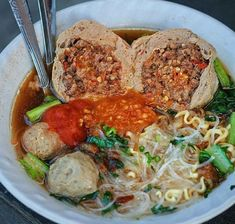 World Street Food, Thai Street Food, Indian Food Recipes, Asian Recipes, Ethnic Recipes, Food N, Food And Drink, My Favorite Food, Favorite Recipes
