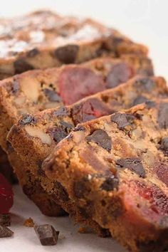 These best fruitcake recipes will change how you think about the classic Christmas dessert forever. Try one of these easy fruitcake recipes featuring delicious ingredients like chocolate and cream cheese. Delicious Cake Recipes, Easy Cake Recipes, Yummy Cakes, Yummy Food, Tasty, Christmas Desserts, Christmas Baking, Christmas Fruitcake, Christmas Chocolate