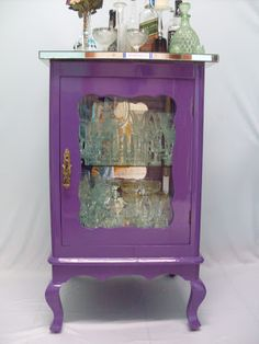 Ateliando - Customização de móveis antigos: Cristaleira Antiga Decor, Furniture, Retro, Interior, Upcycled Furniture, Refinishing Furniture, Table, Purple Rain, Home Decor