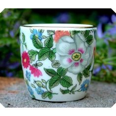 Crown Staffordshire Thousand Flowers