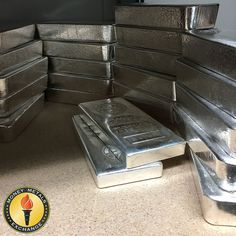 Stacking some 100 ounce bars on this Sunday! These bars are a great way to get silver at a cheap price per ounce. Gold Ounce, Today Gold Rate, Gold Sovereign, Silver Investing, Pink Diamond Ring, Gold Money, Gold N, Silver Bullion, Sell Gold