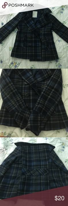 Heavy jacket Woman's outerwear, heavy, from Aeropostale. Buttons up & has a collar. Has pockets. Super condition! Size small. Comfy and warm Aeropostale Jackets & Coats