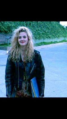 Drew Barrymore 90's grunge curls + Poison Ivy
