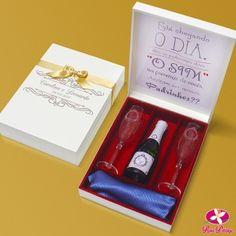 Kit convite para padrinhos de casamento com taças, mini espumante e espaço para gravata. www.rosapittanga.com.br