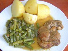 Zelené fazolky - to nejsou jen fazolky na smetaně. • Fazolové lusky: recepty a tipy. • Fazolky jsou fazolové lusky. • Čerstvé fazolové lusky – ale kde je vzít? • Kuchař by neměl o jídle mluvit nehezky. • Fazolky: od omáčky ke steakům a zpět k omáčce. • Fazolky na smetaně, ale trochu jinak. • Fazolové lusky pozvednou každé jídlo do vyššího levelu.• Česnekové fazolky jako příloha k masu nebo vepřový guláš s rajčaty a fazolovými lusky. Ochutnejte.•   Fazolové lusky, jinak řečeno fazolky… No Salt Recipes, Pot Roast, Steak, Pork, Ethnic Recipes, Per Diem, Carne Asada, Pork Roulade, Roast Beef