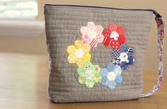 Diary of a Quilter - a quilt blog: Zippered Pouch palooza