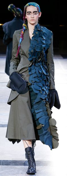 Yohji Yamamoto Autumn/Winter 2014-15 Ready-To-Wear