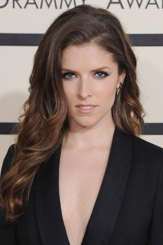 Beauty Evolution of Anna Kendrick—February 2015