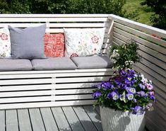 DIY Balcony Sofa with Storage Space Whilst old with concept, the actual pergola is encountering Outdoor Sofa, Outdoor Spaces, Outdoor Living, Outdoor Decor, Balcony Bench, Balcony Garden, Patio, Backyard, Planter Boxes