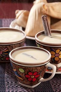 Xmas time means my mom's atole de arroz delicious Real Mexican Food, Mexican Drinks, Mexican Dessert Recipes, Mexican Cooking, Mexican Dishes, Mexican Tacos, Authentic Mexican Recipes, Tamales, Atole Recipe