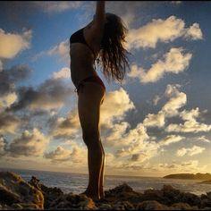 Morning yoga on the rocks   http://followgram.me/daughterofthesun/