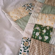 Dream Rooms, Dream Bedroom, Aesthetic Bedroom, Interior Exterior, New Room, Room Inspiration, Quilt Patterns, Sewing Projects, Bedroom Decor