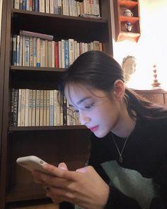 HONG SUZU Image may contain: 2 people, people sitting and indoor Ulzzang Korean Girl, Cute Korean Girl, Asian Girl, Aesthetic Women, Uzzlang Girl, Pretty Asian, Natural Face, Girl Swag, Korean Model