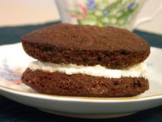 Ginny's Low Carb Kitchen: BROWNIE ICE CREAM SANDWICH