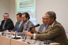 La UDIMA y la ANTPJI firman una Cátedra Universidad-Empresa http://www.udima.es/es/la-udima-y-antpji-firman-una-catedra-universidad-empresa.html