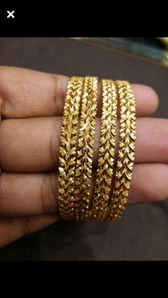 Gold For Jewelry Making Gold Bangles Design, Gold Jewellery Design, Gold Jewelry, Antique Jewellery, Jewelry Accessories, Indian Wedding Jewelry, Indian Jewelry, Bridal Jewelry, Indian Gold Bangles