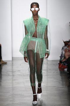 Parsons MFA Spring 2017 Ready-to-Wear Collection Photos - Vogue Fashion 2017, New York Fashion, Runway Fashion, High Fashion, Fashion Show, Fashion Dresses, Fashion Looks, Fashion Tips, Fashion Design
