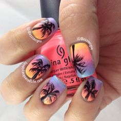 would look cute on toes with the palm tree on the big toe, but the gradient also on the finger nails